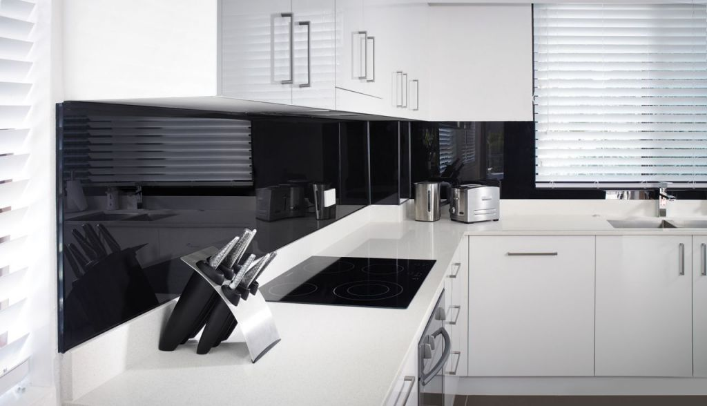Image of: 7 Frequently Asked Questions Faq About High Gloss Bath Kitchen Or Feature Wall Panels