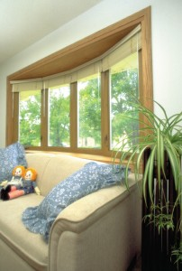 Bow woodgrain window in a family room
