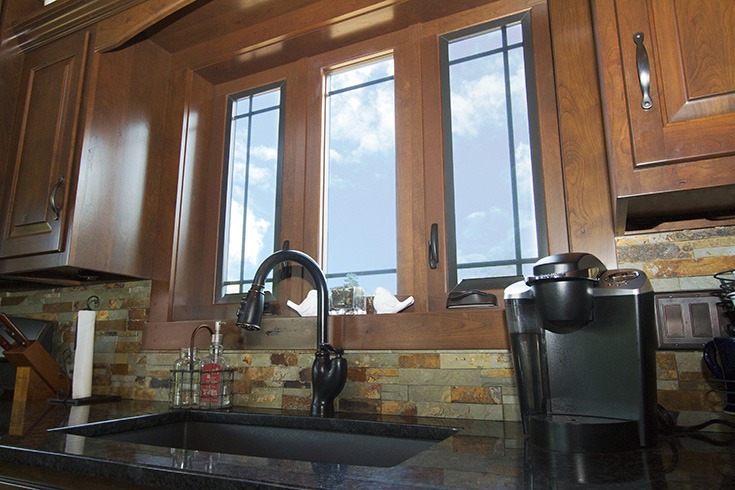 Con 5 casement windows in a kitchen for maximum air flow cleveland | Innovate Building solutions #SlidingWindows #KitchenWindows #CasementWindows