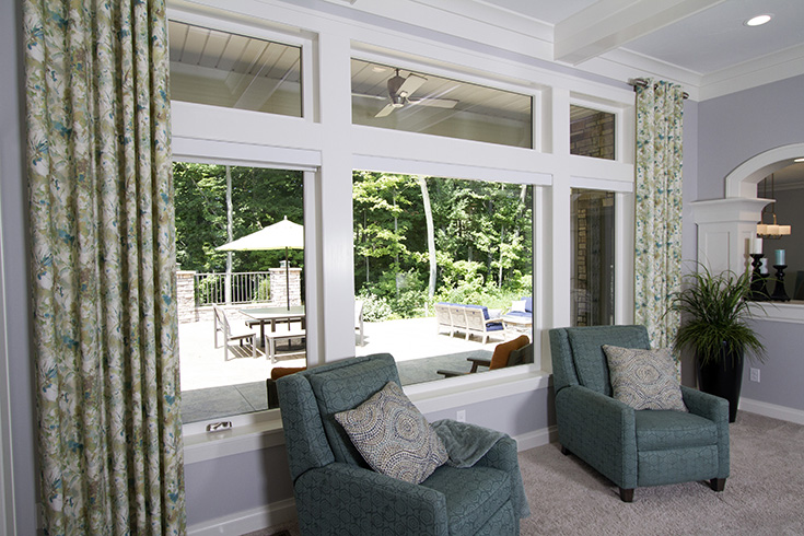 Disadvantage 1 - picture window with casements on the side for air Columbus Ohio | Innovate Building Solutions #PictureWindow #Largewindow #WhiteFrameWindow