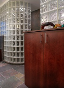Curved walk in shower wall using Arque glass blocks