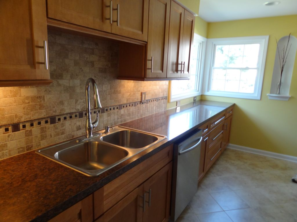 Small kitchen remodeling ideas design contractor for Tiny kitchen remodel