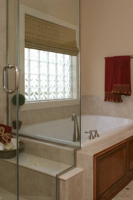 Glass blocks in new construction windows showers walls for Bathroom window privacy solutions