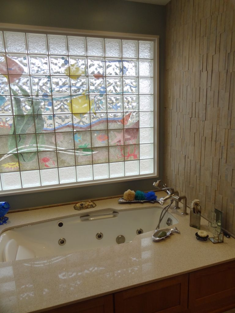 Attrayant High Privacy Glass Block Bathtub Window With An Aquarium Mural Wider  Transfer Seat Jetted Tub Columbus