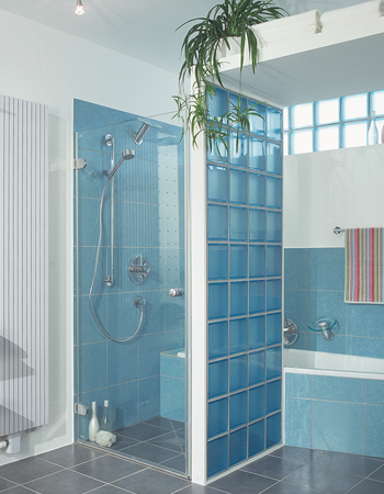 How To Make A Small Bathroom Work on paint a bathroom, tank a bathroom, decorate a bathroom,