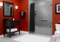 Decorative acrylic walls in a tub space