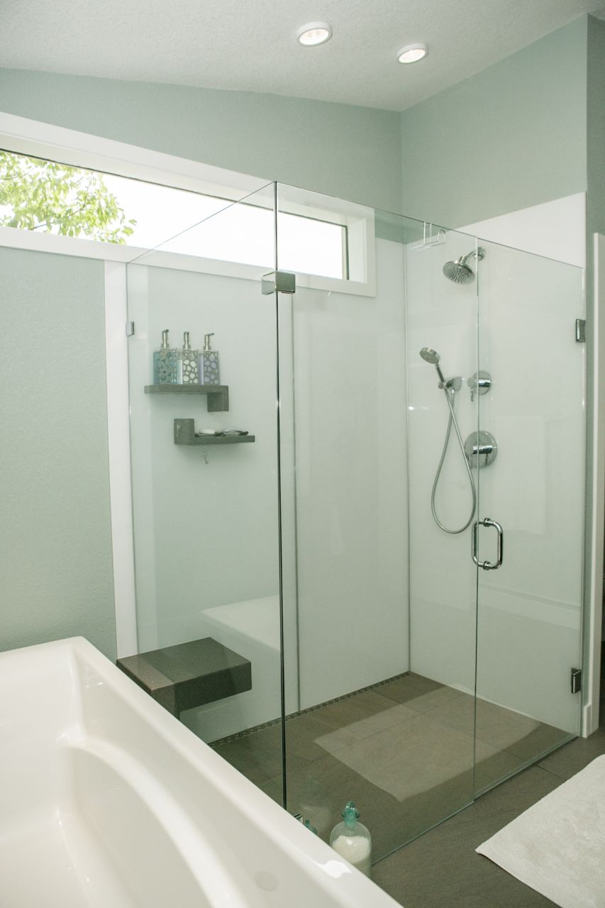 Great Modern Clear Frameless Glass Shower Wall System With High Gloss Acrylic  Walls
