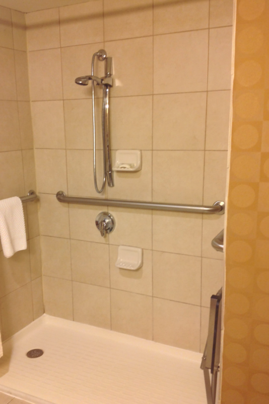 7 ideas to improve a hotel shower for universal and accessible design