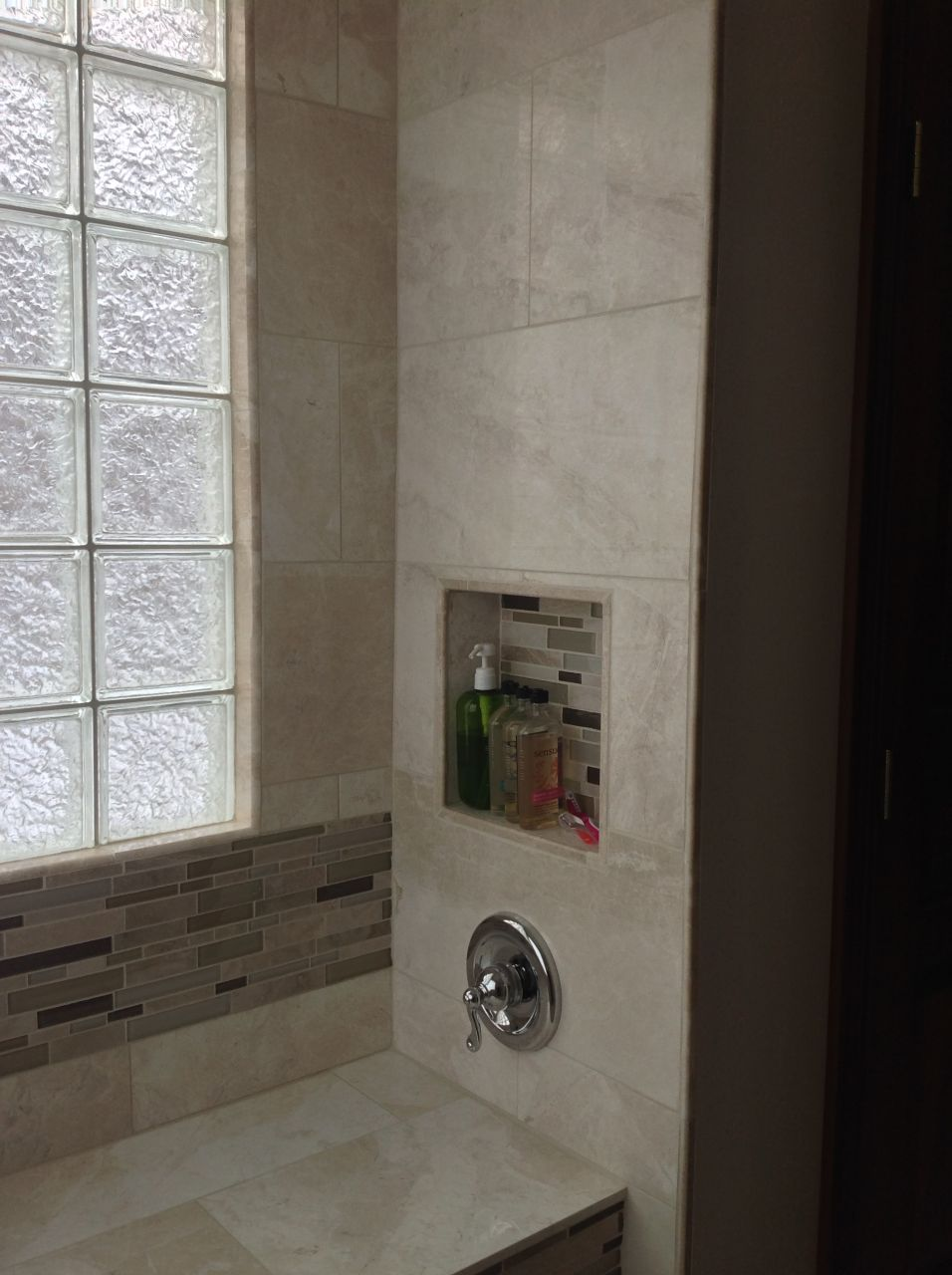 Exceptionnel Glass Block Shower Window With Tile On The Inside