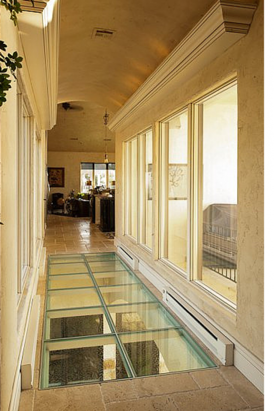 How to select a glass floor bridge deck