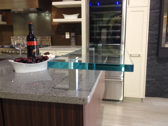 Clear smooth float glass raised counter