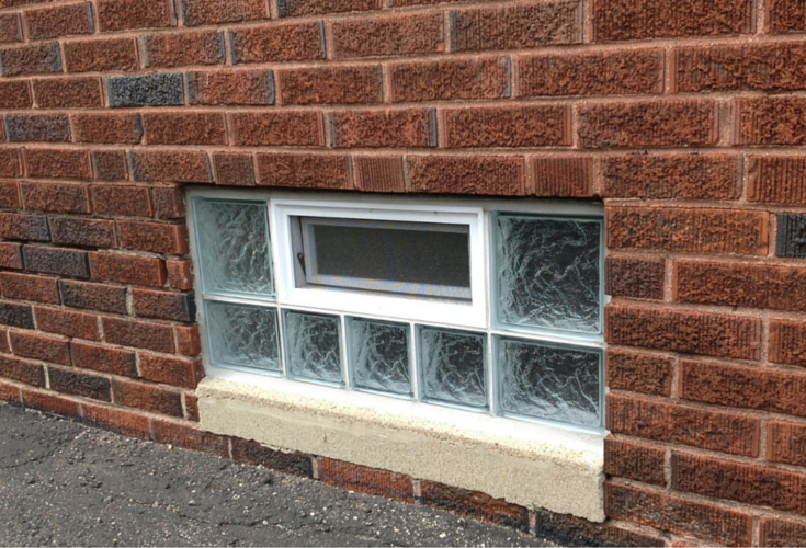Frameless glass block window with an air vent