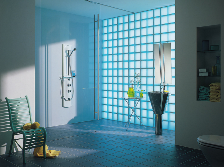 Satin finished glass blocks offer daylighting and privacy in a one level master bathroom shower | Innovate Building Solutions