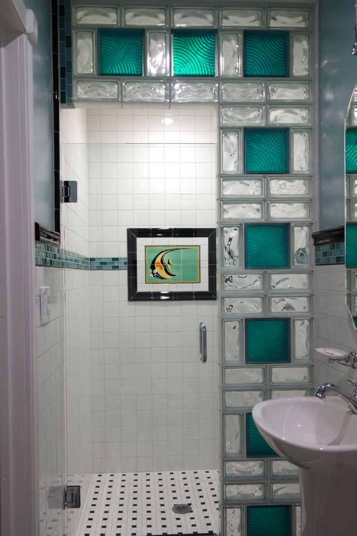 Glass Block Shower Wall With Colored Glass Blocks And Different Patterns |  Innovate Building Solutions