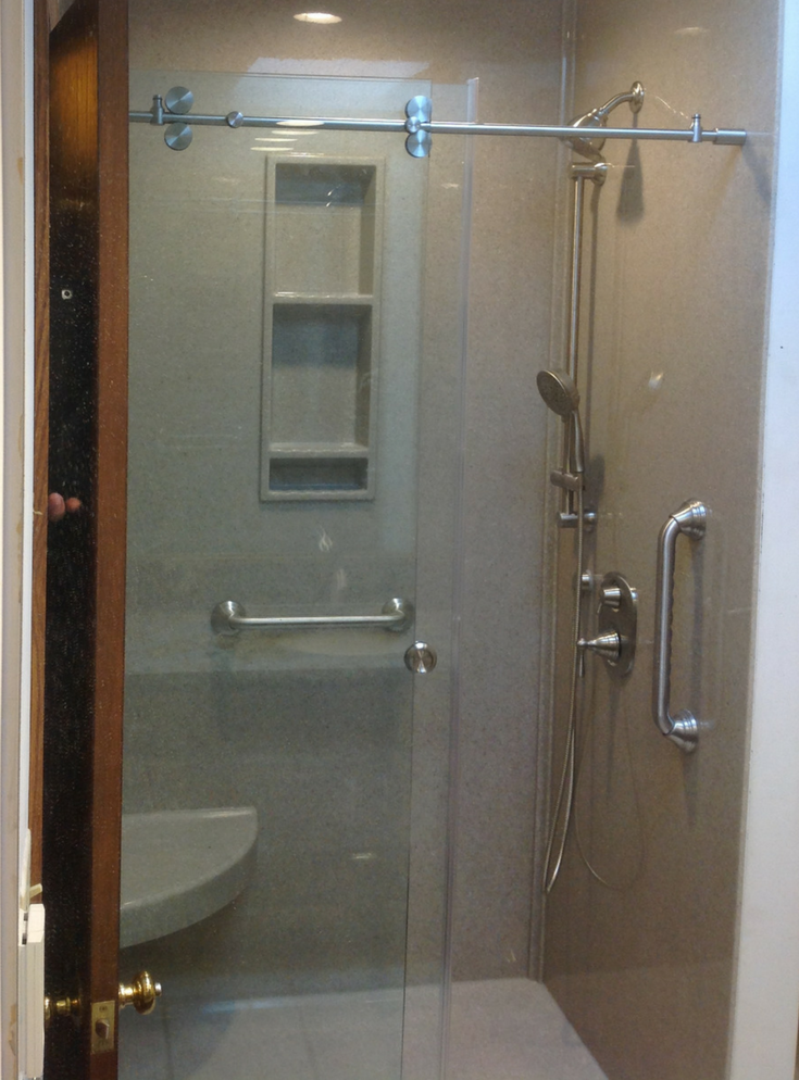 No Duck Frameless Glass Door | Innovate Building Solutions | #GlassDoor #ShowerDoor #FramelessDoor