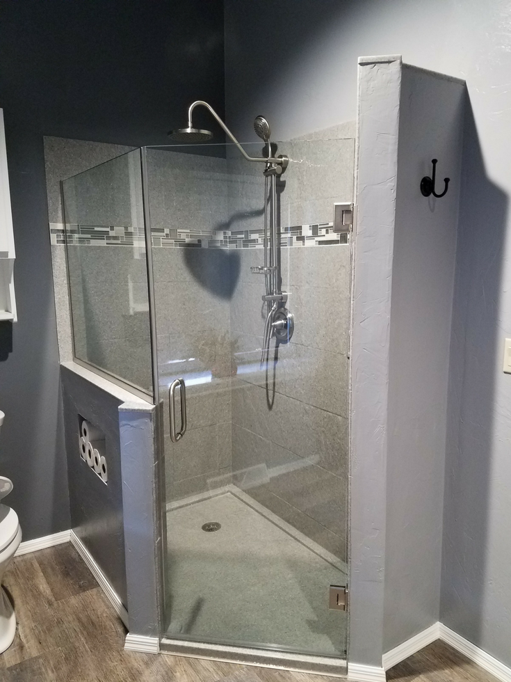 Cultured stone with stone tile pattern | Innovate Building Solutions | #ShowerWall #ShowerBase #CulturedStone