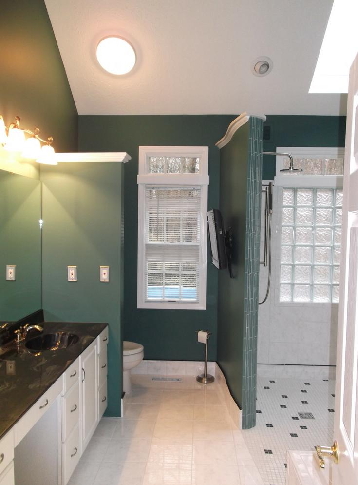 One Level wet room system | Innovate Building Solutions | #WetRoom #OneLevelShower #BathroomSystem