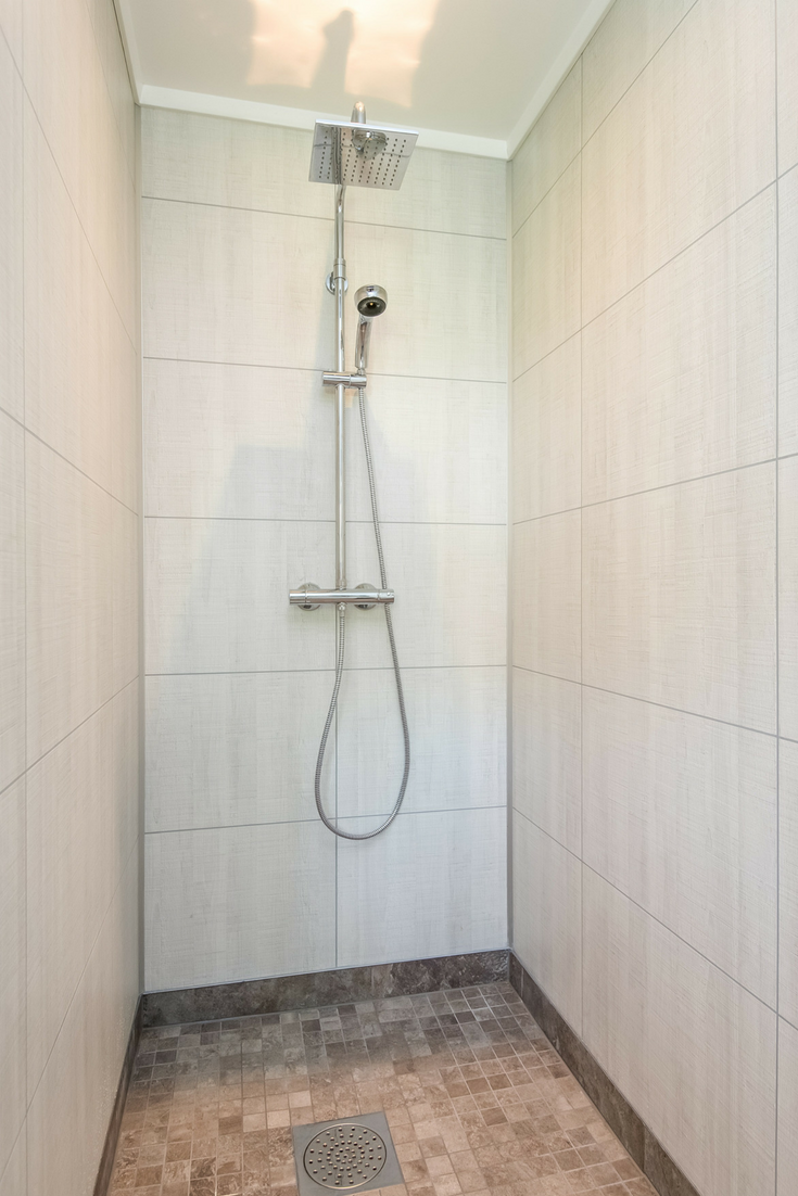 Tile looking laminate shower panels | Innovate Building Solutions | #LaminatePanels #ShowerSysterm #DIYShowerPanels