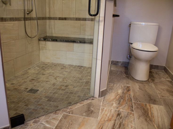 Larger shower opening in a one level shower | Innovate Building Solutions | #RollInShower #WalkInShower #CurblessShower