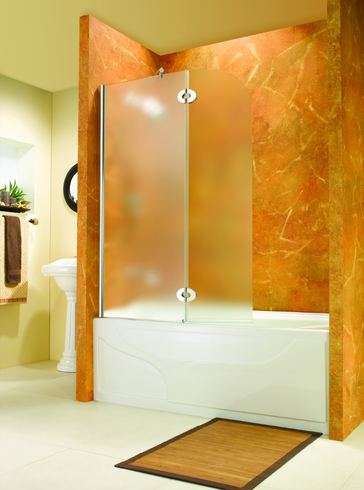 Pivoting tub door screen for shower | Innovate Building Solutions | PivotingDoor #BathroomRemodel #ShowerRemodel