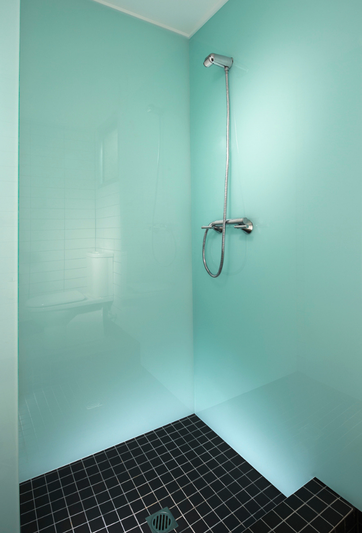 glacier high gloss acrylic wall panels in a shower | Innovate Building Solutions | #GlossAcrylicPanels #HighGlossPanel #lustroliteWallPanels
