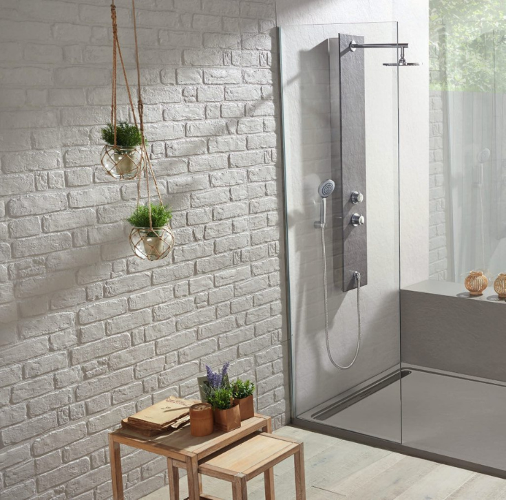 Modern low profile cultured stone shower pans | Innovate Building Solutions | #Lowprofiled #CulturedShowerpan #ShowerWallPanel