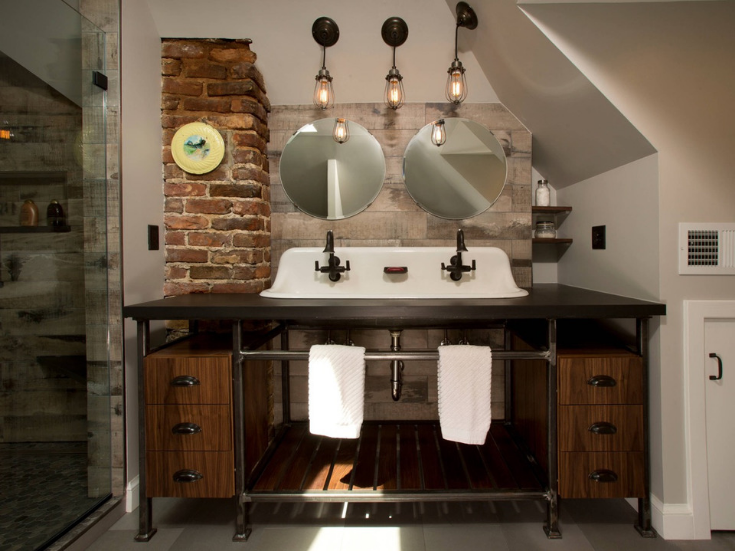 Edison bulbs in a industrial farmhouse chic bathroom | Innovate Building Solutions | #EdisonBulbs #LightBulbs #BathroomLights