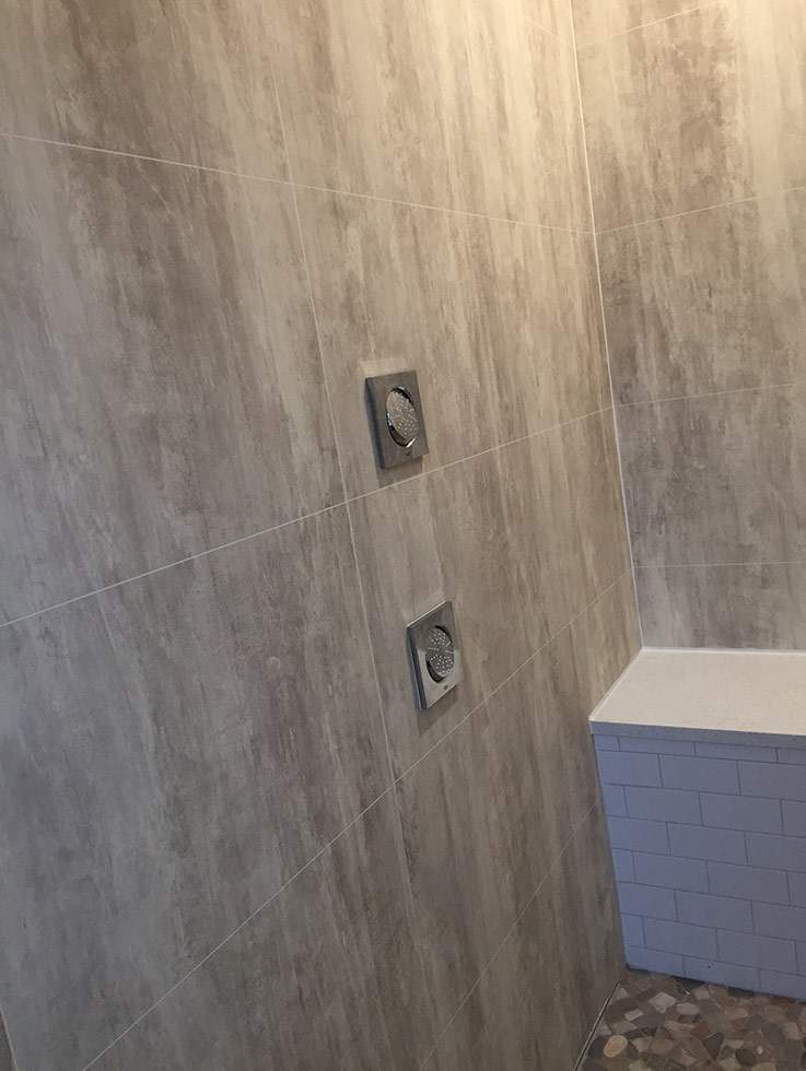 laminate shower wall panels in Abbey Shale | Innovate Building Solutions | #Laminatewallpanels #Showerwallpanels #AbbeyShale #FiboSystems