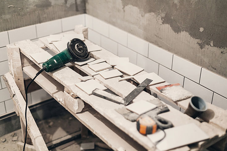 Disadvantage 3 dirty remodeled bathroom from cutting tile on a saw | Innovate Building Solutions | #DirtyRemodel #NastyShower #BathroomRemodel