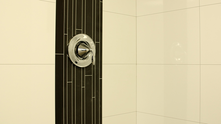 Quality 8 white 24 x 12 shower wall panels | Innovate Building Solutions #WallPanels #ShowerSurround #BathroomWallpanels